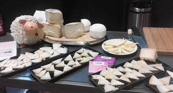formatges tot de poble coves de vinroma